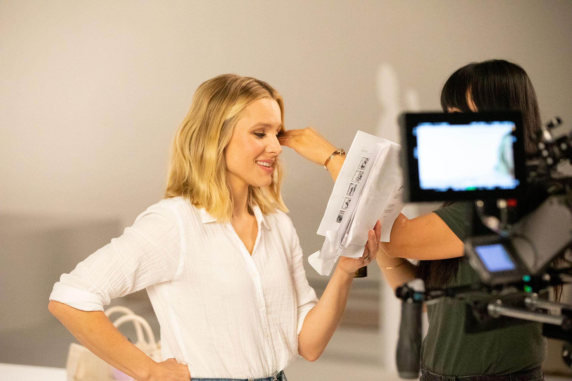 Kristen Bell recording spindrift ad